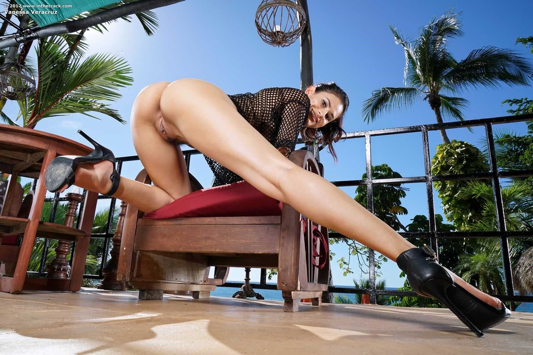 Vanessa Veracruz Balcony Cum - Fine Hotties - Hot Naked ...