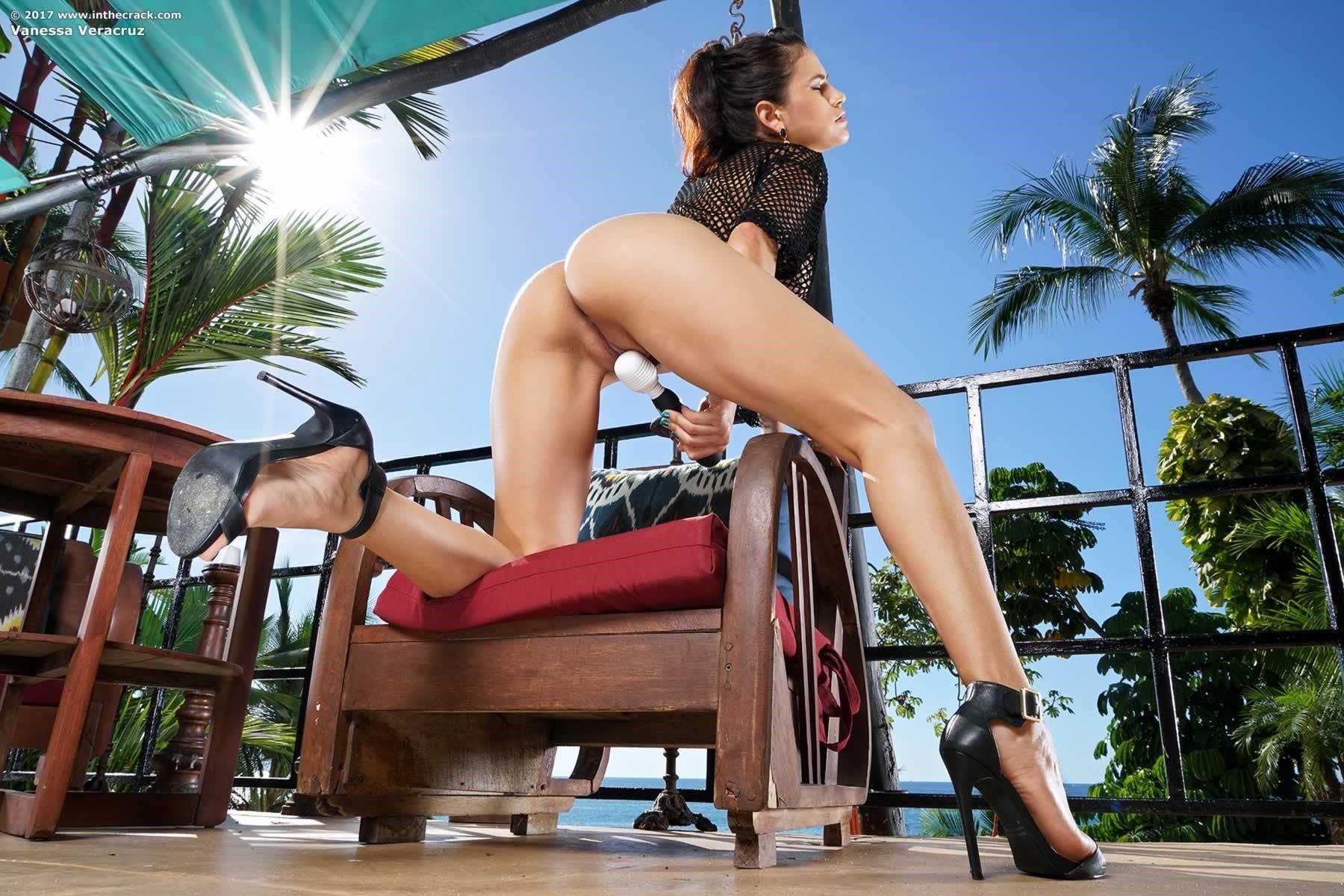 Vanessa Veracruz Balcony Cum - Fine Hotties - Hot Naked ...
